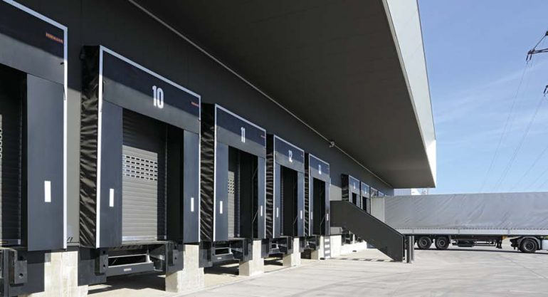 Шлюз-тамбуры Hörmann – энергоэффективное и компактное решение для складских помещений