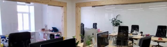 Стеклянные перегородки в офисе «Боновизио»